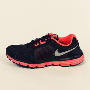 Women s Nike Running Shoes Dual Fusion on Poshmark 71883b4e8166
